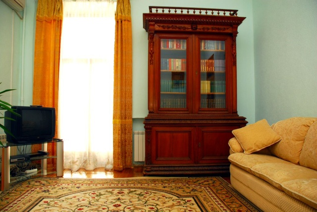 104- ONE BEDROOM APARTMENTS FOR RENT IN KIEV LUTERANSKA